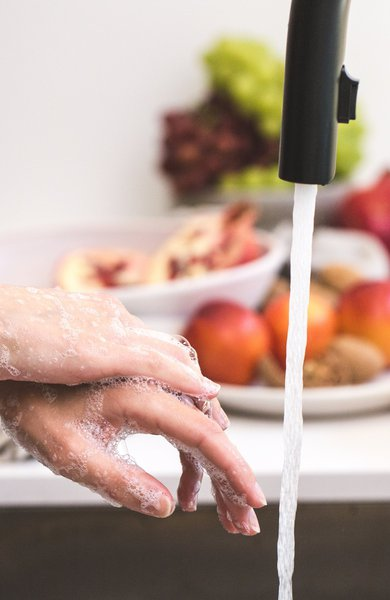 How to Naturally Take Care of Your Hands