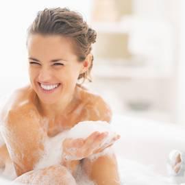 femme-bain-mousse